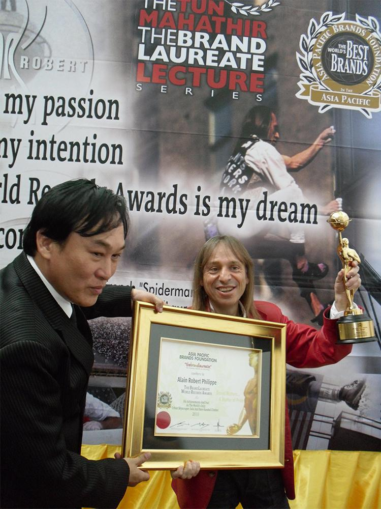 Alain Robert Spiderman awards climber speech